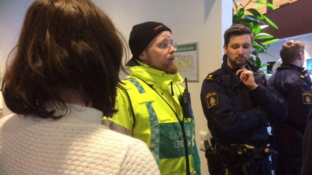 Niklas Elverdam, sjukvårdsledare på plats.