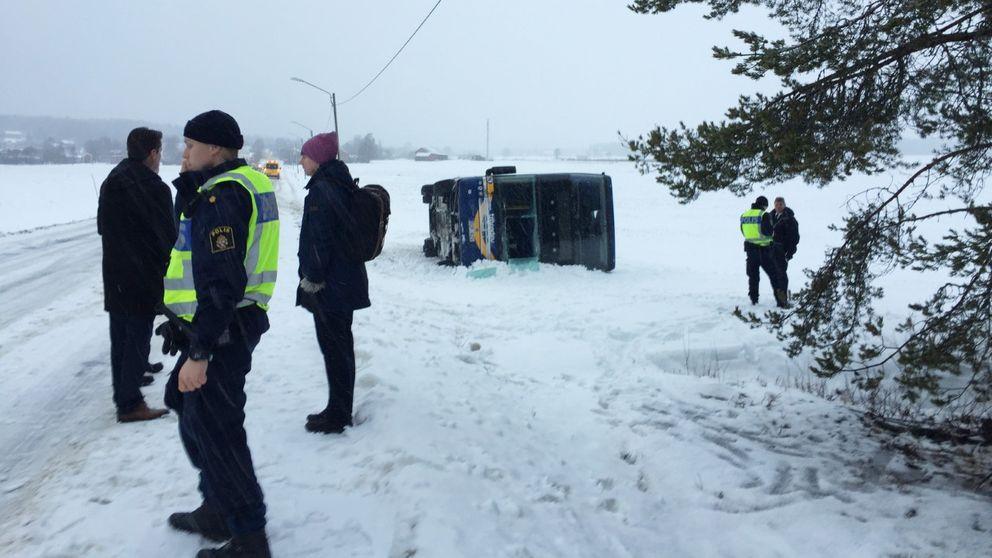 buss vält, polis, snö
