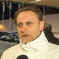 Angelica Andersson samlar in namn för religionsfrihet. Tony Nyberg (SD) för en folkomröstning om det islamiska centret.
