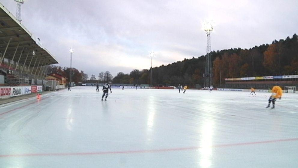 Nuvarande bandyplanen på Studenternas IP i Uppsala.