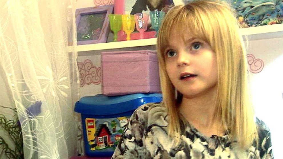 Linnéa Skaug lider av svår allergi och blir sjuk av skolmiljön.