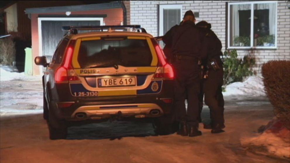 Ung kvinna sköts i benet i Säter – man greps på plats