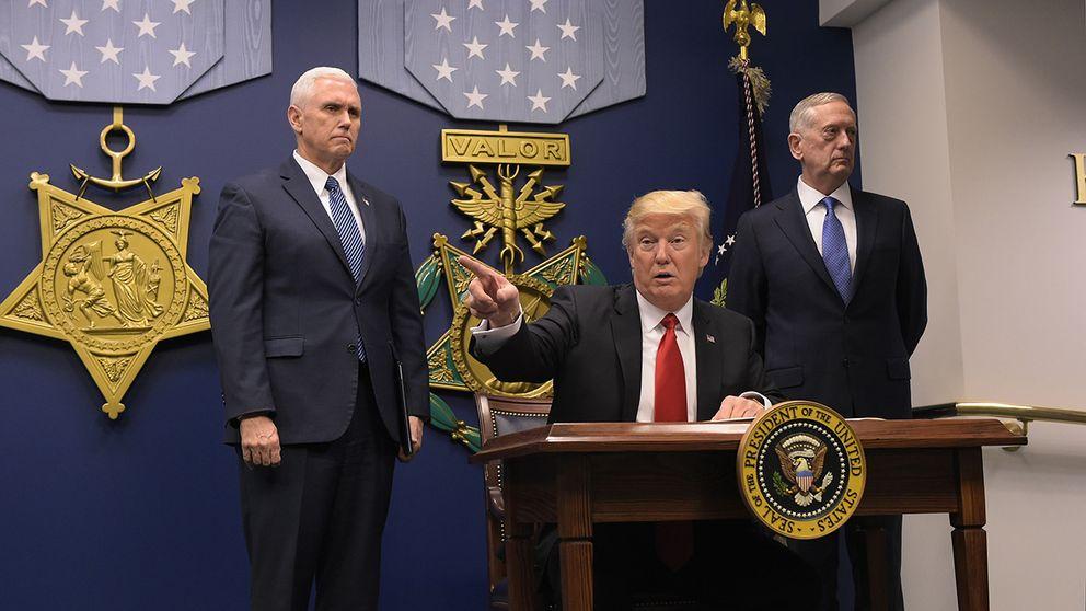 Trump på plats i Pentagon.