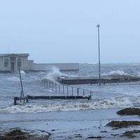 Hårda nordvindar och översvämning i Borgholm på Öland den 4 januari.