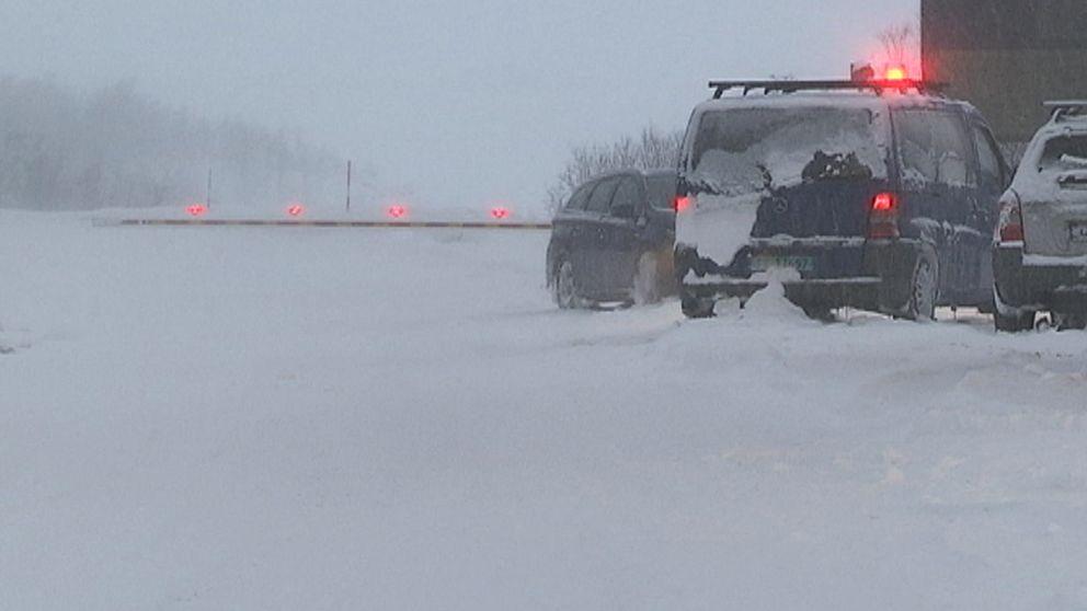 I samband med stormvindar den 19 januari stängdes E10 av i höjd med Björkliden i norra Lapplandsfjällen.