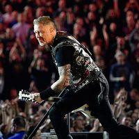 Metallica-sångaren James Hetfield på scen.