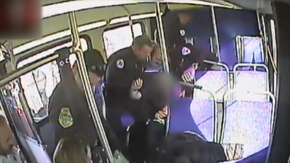 övervakningsfilm från en buss i Philadelphia.