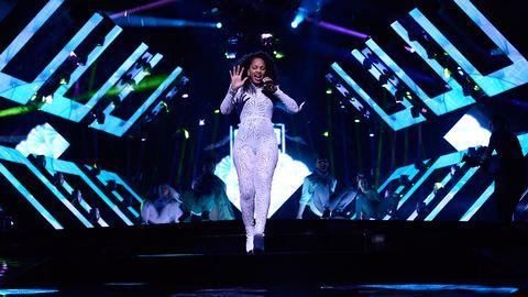 Etzia gör debut i Melodifestivalen. Bidraget heter Up.