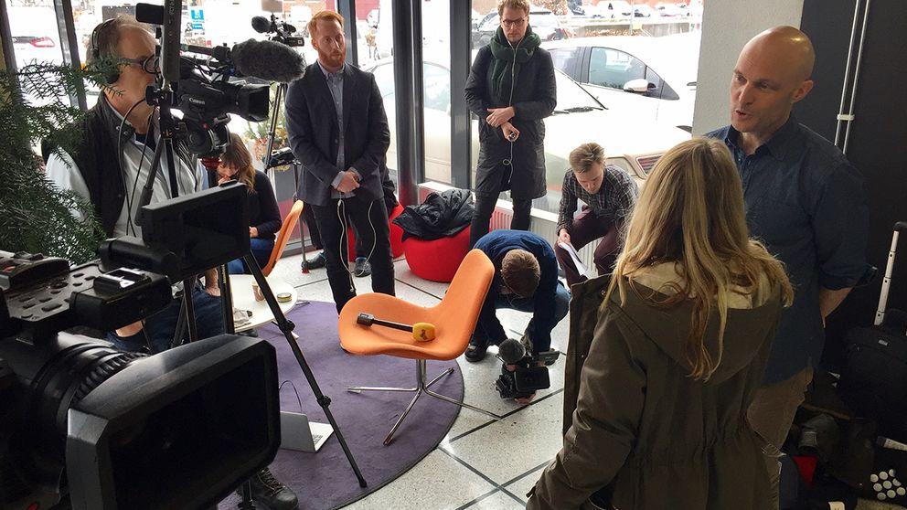 Fredrik Önnevall blir intervjuad efter att domen mot honom fallit.