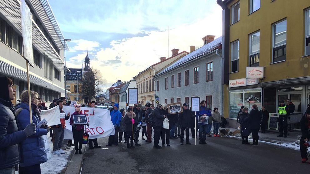 Demonstranter på gatan
