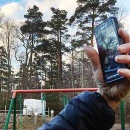 Åsa Strandberg blev av med den fasta telefonin för fyra år sedan. Sedan dess har familjeföretaget tampats med att få en pålitlig mobilsignal.