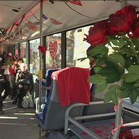 Kärleksbuss rullar i Västerås