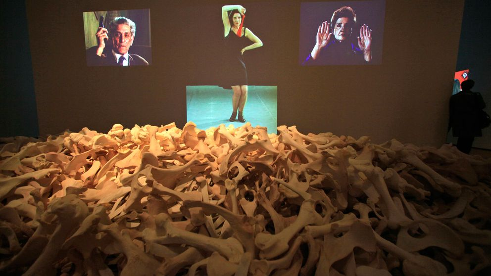 """""""Balkan Baroque"""" i uppförandet på MoMa i New York 2010."""