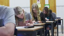 Elever i ett klassrum.