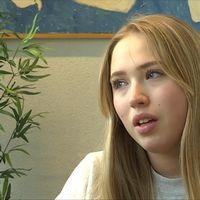 16-åriga Mira vägrar ta av sig sin davidsstjärna.