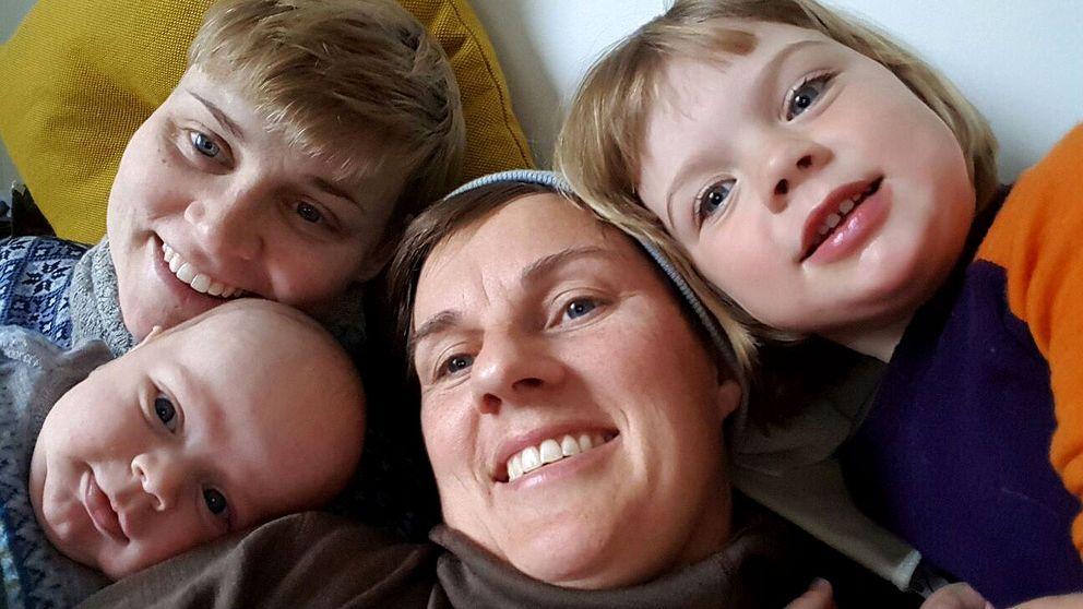 När Ylva och Merethe Kleiven flyttade från Norge till Sverige blev de tvungna att ansöka om att adoptera sina egna barn. Detta eftersom barnen är resultatet av assisterad befruktning i utlandet.