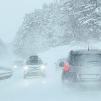 Halka, snö, trafik, vinter