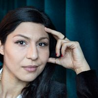 """Bahar Pars spelar den kvinnliga huvudrollen i den Oscarsnominerade filmen """"En man som heter Ove""""."""