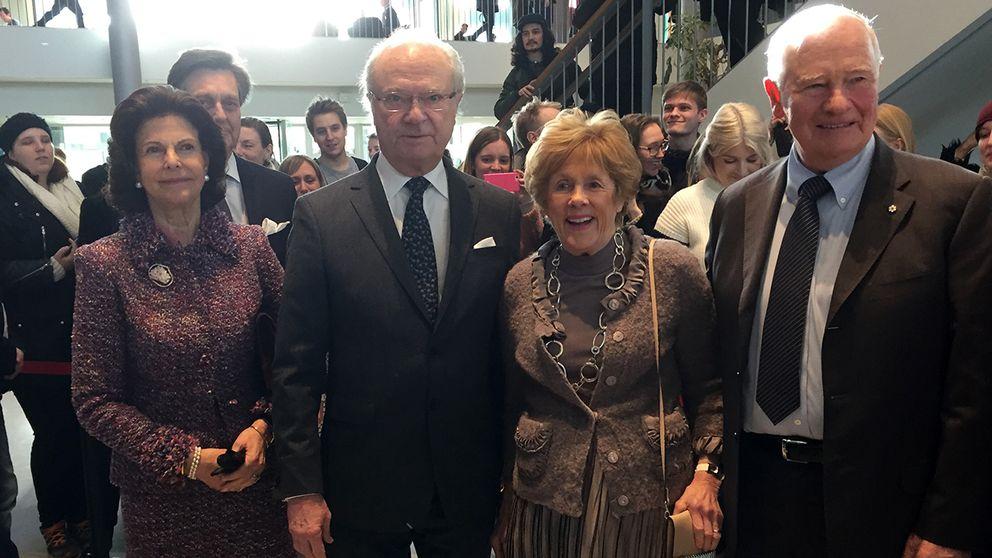 Kungaparet tillsammans med Kanadas generalguvernör David Johnston och hans fru Sharon.