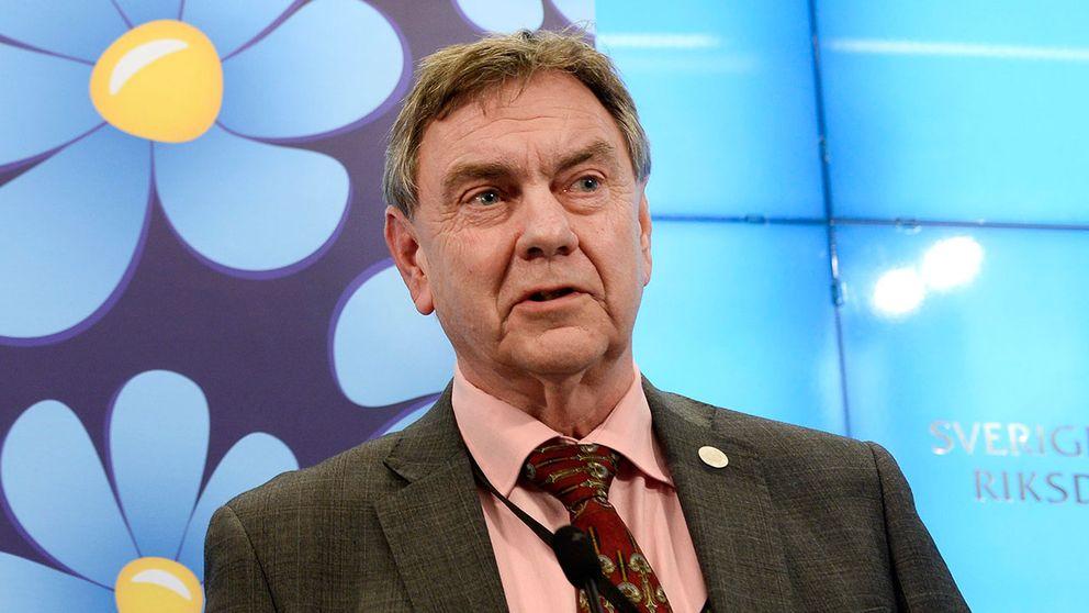 Roger Richtoff (SD), ledamot i försvarsutskott, vill inte skicka militär till Rosengård om det inte skett ett terrordåd.