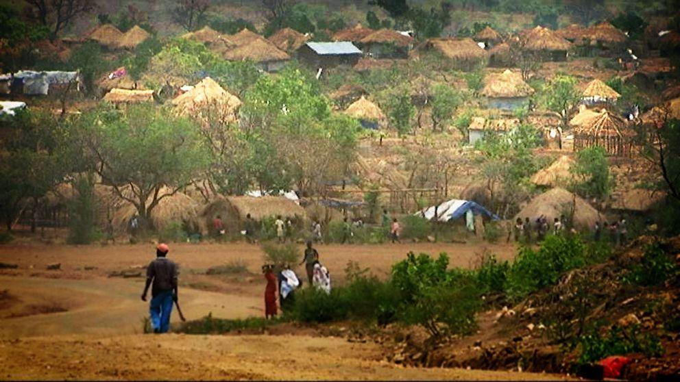 Uganda har tagit emot 700.000 flyktingar – hyllas för det de gör.