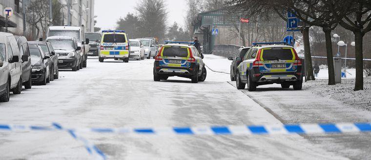 Polisens avspärrning efter dådet.