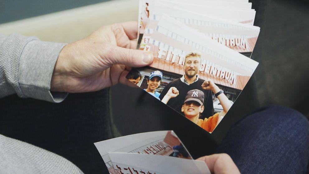 Musa, Ramzy, Oguzhan, Janis och Johnny fastnade på korten under inspelningen av Fittja Paradiso. I programmet om pojkarna från Fittja söker Janne Josefsson upp dem.