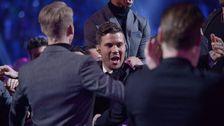 Robin Bengtsson jublar över att ha vunnit Melodifestivalen 2017