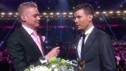 Fredrik Ekelund gör den första vinnarintervjun med Robin Bengtsson.
