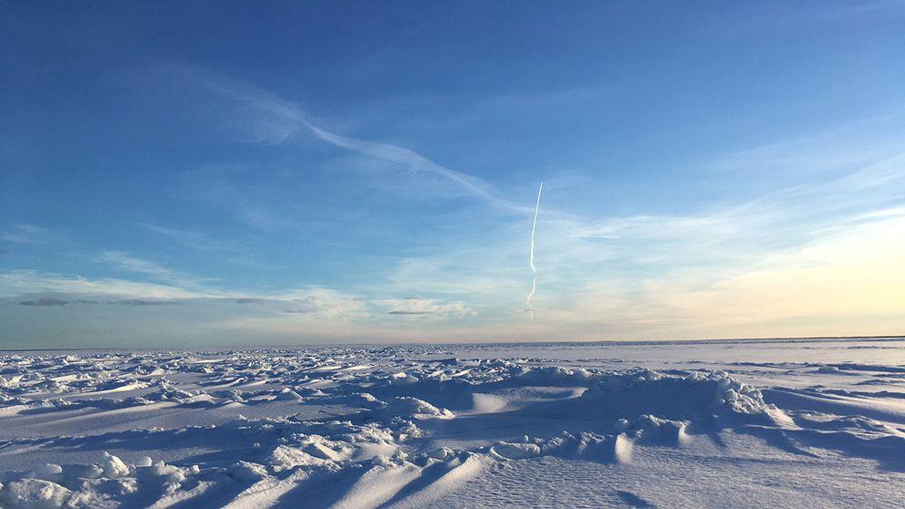 Bilderna är tagna på isen utanför Ratan lördagen den 11/3.