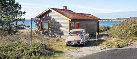 Liten stuga vid havet såld till rekordpris i Varberg.