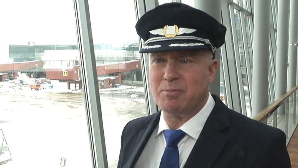 pilot, pilotmössa, flygplats, Tomas Gustafsson