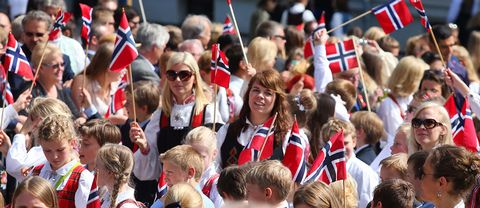Glada norrmän firar 17 maj.