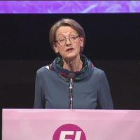 Gudrun Schyman med partikollegor håller kongress i Västerås.