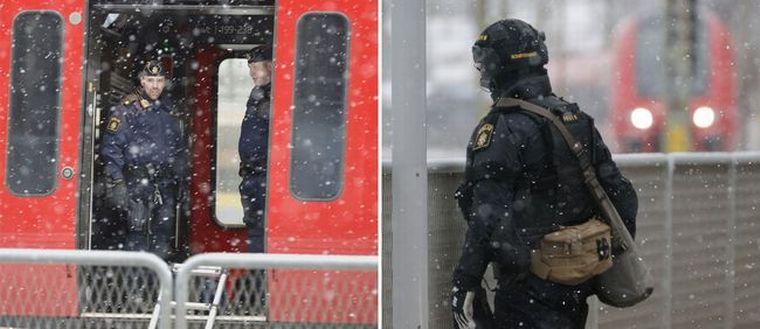 Två MTR-tåg mellan Stockholm och Göteborg bombhotades.