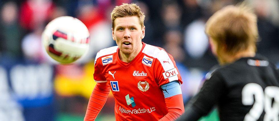 David Elm blev illa berörd över hur bortalaget Kalmar FF behandlades av publiken under uppvärmningen på Tele2 arena i Stockholm.