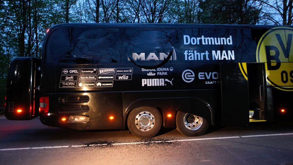 Borussia Dortmunds spelarbuss skadad efter explosionen under tisdagen.
