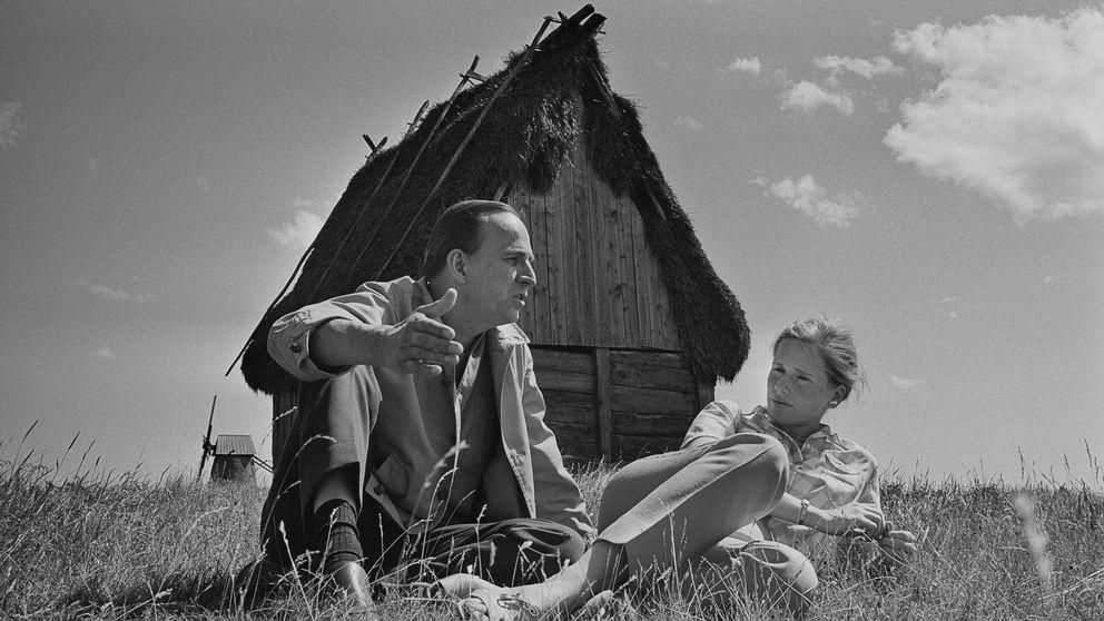 Bilden på Ingmar Bergman och Liv Ullman tog Gunnar Källström 1968 på Bergmans 50-årsdag på Fårö. Ett vänligt, varmt och somrigt möte.
