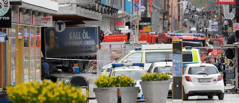 Drottninggatan i centrala Stockholm efter terrordådet.