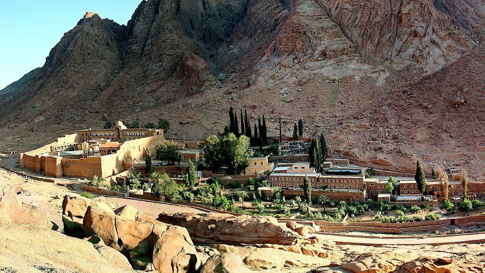 Katarinaklostret, som grundades av kejsar JustinianusI i mitten av 500-talet, finns med på Unescos världsarvslista och är ett populärt turistmål.
