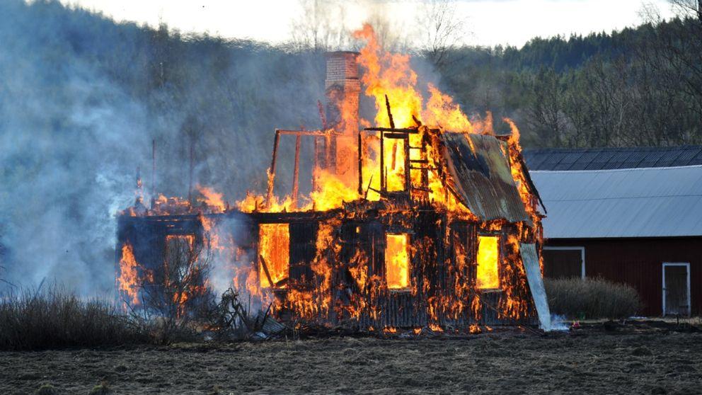 Villan i Hagfors brann ner till grunden.