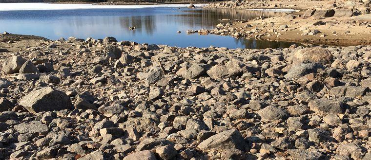 Bild på en torr sjön Torringen