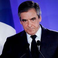 Nationella Frontens Marine Le Pen ska nu försöka locka så många väljare från anhängarna till de förlorande kandidaterna som möjligt – vilket kan bli svårt med tanke på att bland annat Republikanernas Francois Fillon uppmanat sina supporters att rösta på Macron