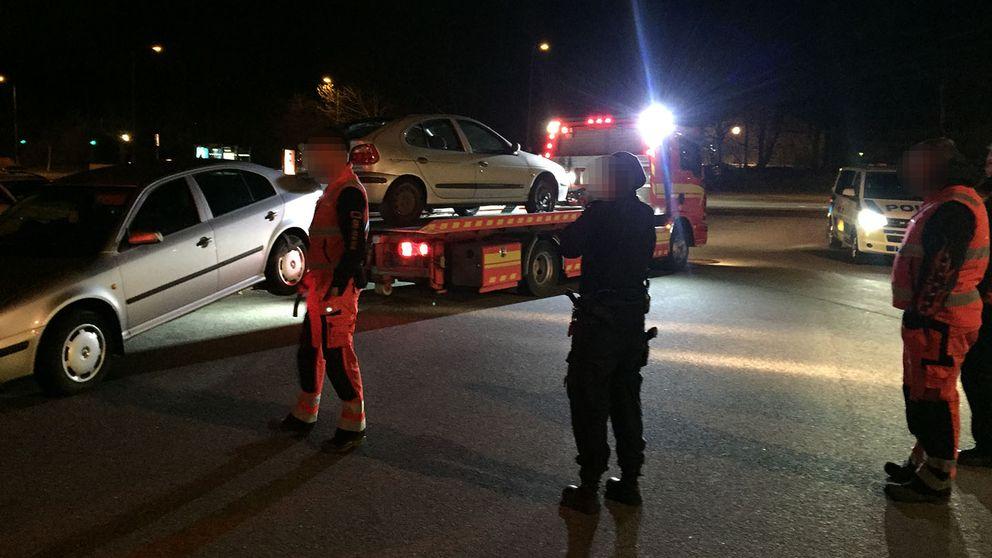 För andra gången i år slog polis och kommun till mot bilmålvaktsbilar. 16 bilar beslagtogs i de norra stadsdelarna i natt.
