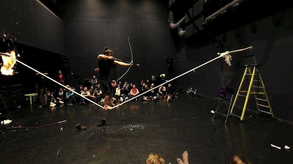 """Alexander Weibel-Weibel ge föreställningen """"Breaking point"""" Öst"""
