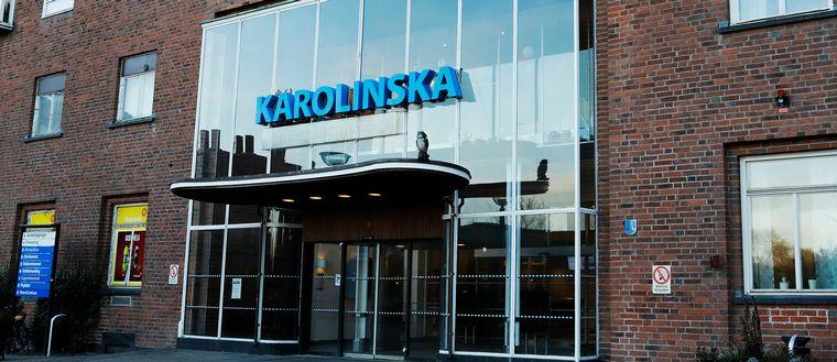 Entrén till Karolinska universitetssjukhuset i Solna.