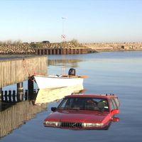 Bil i vatten