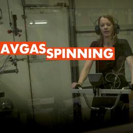 Är det dags att använda munskydd i Sverige? Friktion deltog i ett experiment i en avgaskammare.