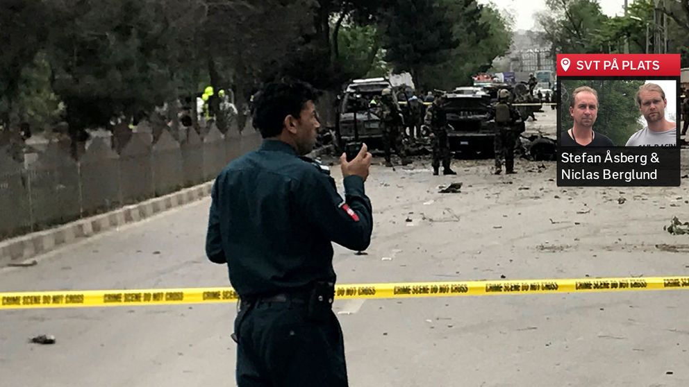 """SVT:s team är i Kabul: """"Stora delar av huvudleden är täckt av blod"""", berättar Stefan Åsberg."""