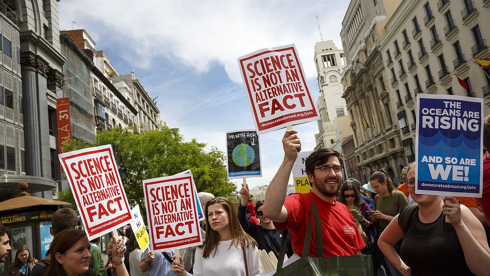 People protest holding banners at the March for Science event in Madrid, Saturday, April 22, 2017. Thousands of scientists worldwide left their labs to take to the streets Saturday along with students and research advocates in pushing back against what they say are mounting attacks on science. (AP Photo/Daniel Ochoa de Olza)